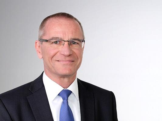 Stefan Bach
